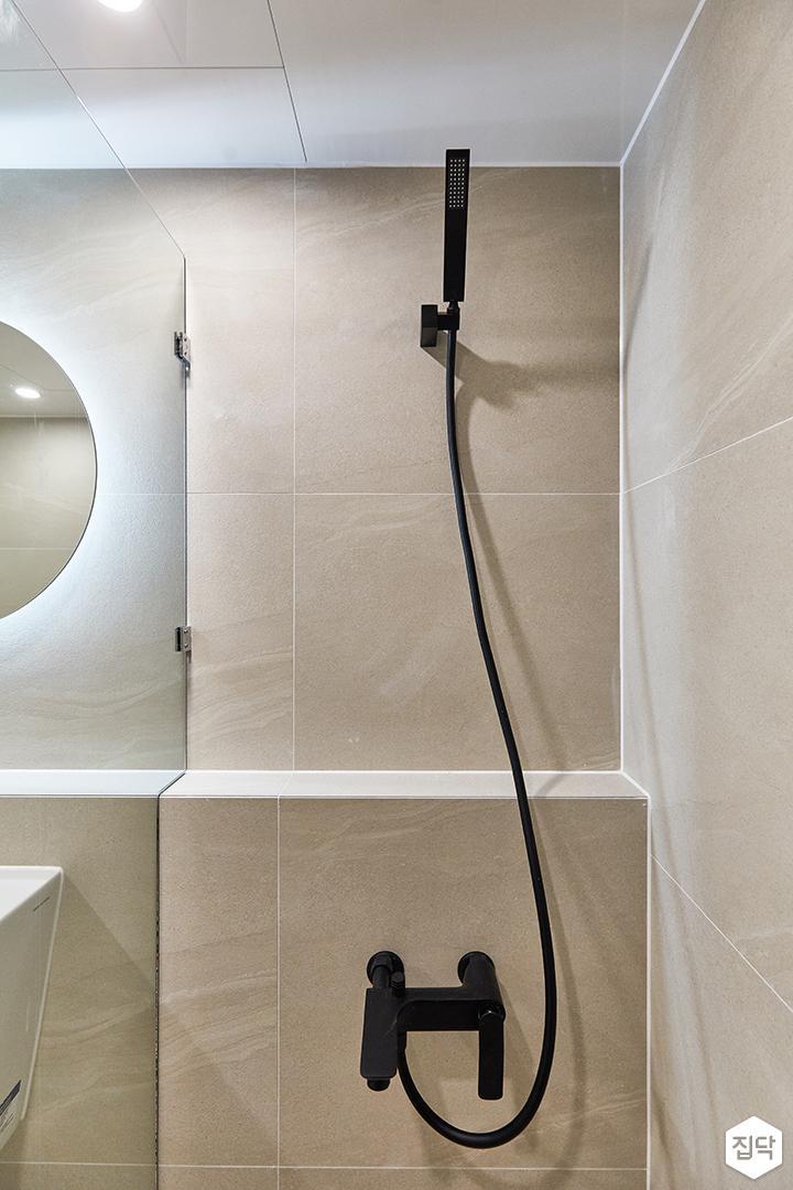 아이보리,블랙,모던,내추럴,욕실,유리파티션,샤워기