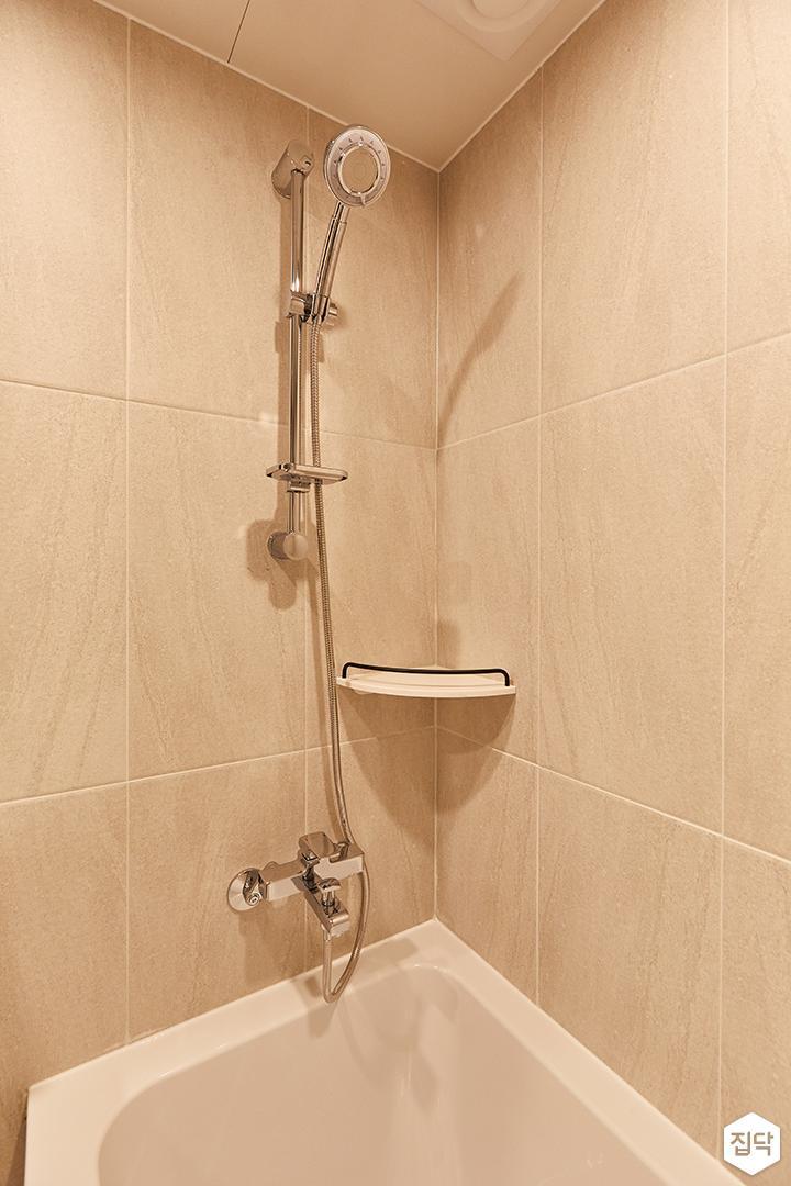아이보리,블랙,미니멀,심플,욕실,샤워기,욕조