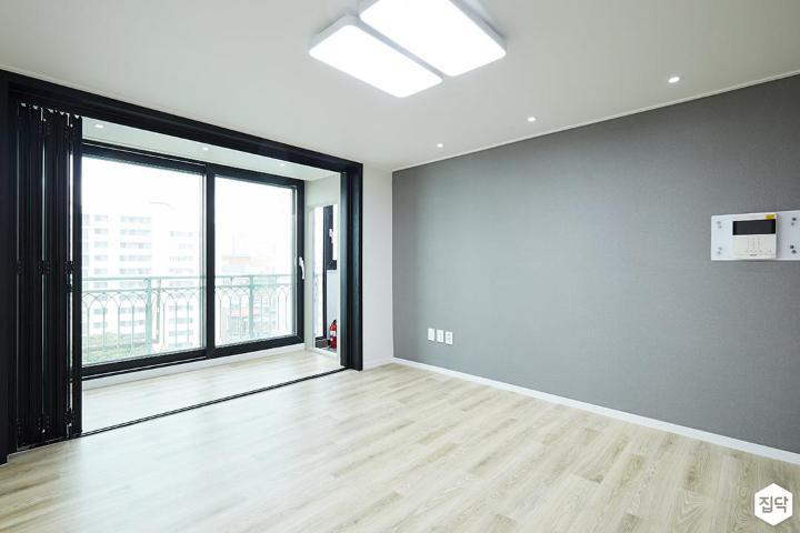 LED조명,폴딩도어,강마루,그레이,거실,모던