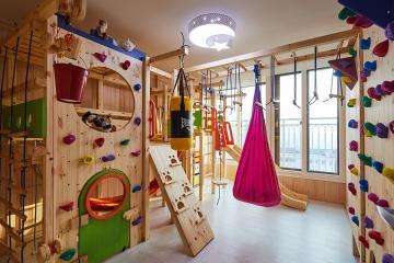 아이가 마음껏 뛰어놀 수 있는 집, 33평 아파트 인테리어 33평,화이트,심플,아파트,잠실,아이방,맞춤가구,수납력,부모자녀,생활패턴에맞춘,맞춤시설제작,아이를위해,놀이방,고급자재,친환경,살기좋은지역,역세권,스타일포인트,아트월,다채로운컬러