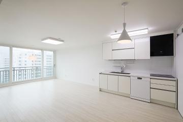 35년 된 아파트의 아름다운 변신 31평,화이트,심플,아파트,개포동,오래된건물,낡은집,요즘뜨는지역,개발도시,재건축단지,강남명품하우스,역세권,우수학군,비앙코카라라패턴,요즘뜨는지역,살기좋은지역