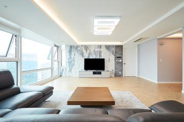 공간별 포인트 디자인이 돋보이는 40평대 주상복합  우드패턴,스타일포인트,살기좋은지역,우수학군,수납력강화,실용성중시,널찍한주방,부모와아이,양천구,목동,49평