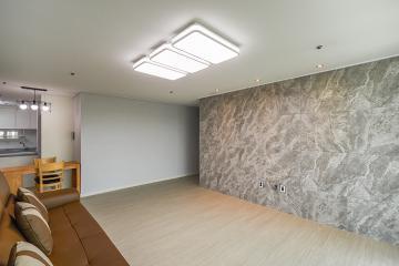 무채색 인테리어로 시크하고 세련된 30평대 아파트  마블패턴,스타일포인트,아트월,살기좋은지역,맞춤장설치,맞춤시설제작,32평,아파트,은평구,녹번동