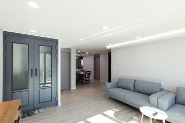 과감한 가벽 활용으로 확 달라진 30평대 아파트