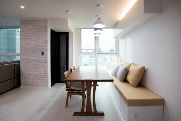 좁은 공간 효과적으로 나눠쓰기 10평대 신혼집 인테리어 스타일포인트,소박하고정겨운,이국적인,살기좋은지역,역세권,독특한구조,합리적인,가성비좋은,집값오르는인테리어,수납력강화,실용성중시,쾌적함을위해,좁은집을넓게,로맨틱신혼집,신혼부부,흥인동,16평