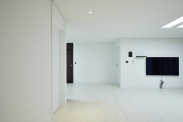 공간별 컬러 포인트가 돋보이는 30평대 인테리어 다채로운컬러,아트월,컬러풀한,살기좋은지역,합리적인,가성비좋은,집값오르는인테리어,생활패턴에맞춘,실용성중시,단점개선,불편함없이,노원,하계동,39평