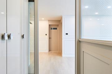 1층 발코니를 똑똑하게 활용한 30평대 아파트 모던 인테리어