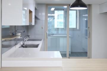 유행을 타지 않는  베이지 톤의 밝고 깨끗한 집 30평,베이지,그레이,화이트,모던,심플,전남,여수시,아파트
