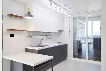 그레이 컬러로 모던함을 더한 20평대 아파트 인테리어 살기좋은지역,합리적인,가성비좋은,맞춤장설치,생활패턴에맞춘,실용성중시,맞춤시설제작,쾌적함을위해,단점개선,은평구,진관동,24평