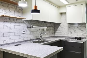 공간 활용도를 높인 20평대 아파트 인테리어 살기좋은지역,집값오르는인테리어,수납력강화,맞춤장설치,생활패턴에맞춘,실용성중시,맞춤시설제작,쾌적함을위해,조리공간확보,안양,석수동,25평