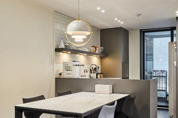 블랙의 모던함을 살린 30평대 아파트 인테리어 특별한조명,호텔같은욕실,이국적인,합리적인,집값오르는인테리어,수납력강화,맞춤장설치,단점개선,불편함없이,이유있는변신,대면형주방,부모와아이,용인,수지,상현동,33평,블랙