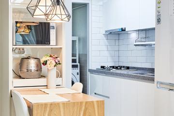 내츄럴 화이트에 우드톤으로 따뜻하게, 20평대 아파트 인테리어 우드패턴,요즘뜨는지역,전국방방곳곳,합리적인,가성비좋은,집값오르는인테리어,맞춤장설치,생활패턴에맞춘,맞춤시설제작,쾌적함을위해,좁은집을넓게,불편함없이,2인가구,신혼부부,마포구,성산동,21평
