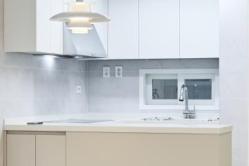 베이지 컬러와 간접조명으로 따뜻하게, 30평대 아파트 인테리어 우드패턴,소박하고정겨운,전국방방곳곳,합리적인,집값오르는인테리어,고급소재,수납력강화,맞춤장설치,생활패턴에맞춘,맞춤시설제작,쾌적함을위해,단점개선,좁은집을넓게,강서구,화곡동,32평,베이지,화이트