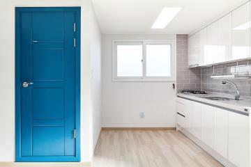 파란색 문 뒤는 어떤 모습일까, 16평 빌라 인테리어