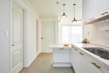 여심을 자극하는 깔끔&심플 아파트 인테리어  24평,화이트,골드,아파트,인천,서구,마전동