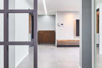 디자인, 완성도, 품격까지 모두 갖춘 45평 아파트 인테리어 45평,그레이,모던,빈티지,아파트,서울,서초구,양재동,양재동현대아파트