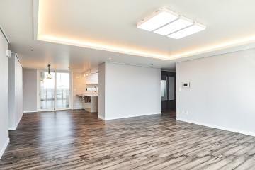 빈티지한 바닥재로 이색적인 공간을 연출한 60평대 아파트 61평,아파트,경기,수원,영동,현대아파트