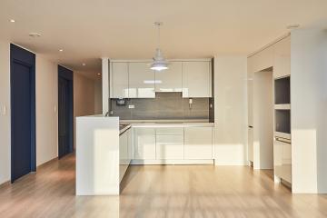 강렬한 블루 포인트 30평대 아파트 인테리어 화이트,블루,34평,아파트,인천,서구,청라동,청라호반베르디움