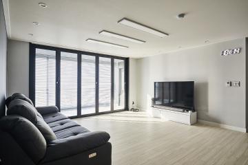 자연광 넘치는 중후한 공간, 40평대 아파트 인테리어 아파트,42평,그레이,폴딩도어,서울,강서구,방화동,동부센트레빌