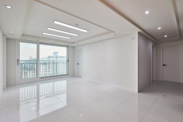 거실에 폴리싱타일이 고급스러움을 더한 34평 확장형 인테리어 34평,화이트,폴리싱타일,럭셔리,심플,동대문구,장안동