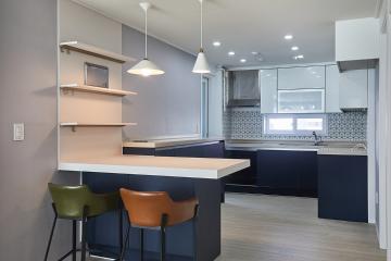 다양한 패턴의 타일이 완성한 32평 아파트 인테리어