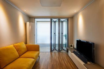 옐로우 색상이 공간을 밝혀주는 22평 아파트 인테리어 22평,아파트,폴딩도어,옐로우,인천,부평구,산곡동,산곡현대아파트