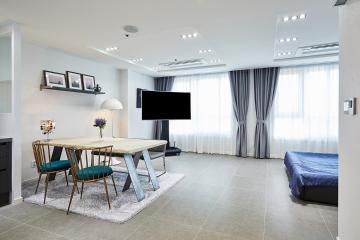 네이비 컬러의 유니크한 매력이 돋보이는 28평 아파트 인테리어 28평,네이비,그레이,모던,아파트,강서구,등촌동