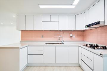 상큼발랄한 핑크 컬러가 매력적인 29평 아판트 인테리어 29평,화이트,핑크,모던,아파트,경기,안산시,단원구