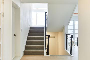 차분하고 아늑한 공간, 74평 주택 인테리어 74평,화이트,내츄럴,종로구,평창동