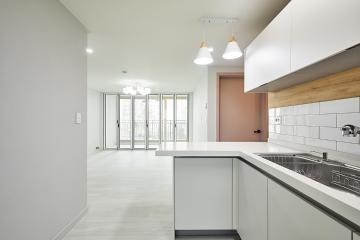 화이트 컬러로 완성된 모던함, 18평 아파트 인테리어 18평,화이트,심플,모던,부평구,부평동