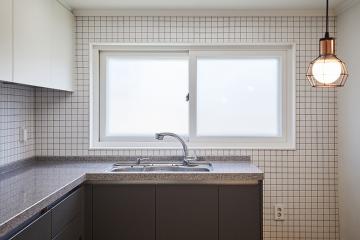 내츄럴함과 모던함이 공존하는 24평 아파트 인테리어 24평,화이트,내츄럴,모던,서대문구,홍제동