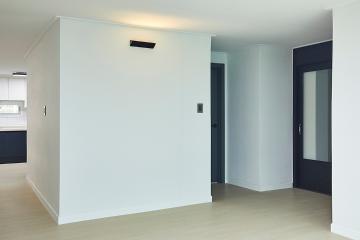 그레이 컬러와 화이트 컬러가 만들어낸 아늑함, 52평 아파트 인테리어 52평,화이트,그레이,심플,모던,수지구,풍덕천동