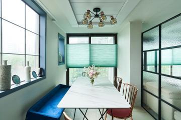 블루 컬러 포인트로 모던함 속 생기발랄함을 더한 47평 아파트 인테리어 47평,화이트,모던,아파트,경기