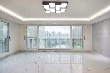 모던함의 선두 주자 비앙코카라라 패턴이 매력적인 39평 아파트 인테리어 39평,화이트,모던,아파트,경기,광주