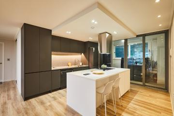 아늑한 분위기가 일품인 모던 스타일 주방 32평 아파트 인테리어 32평,화이트,모던,아파트,경기,안양