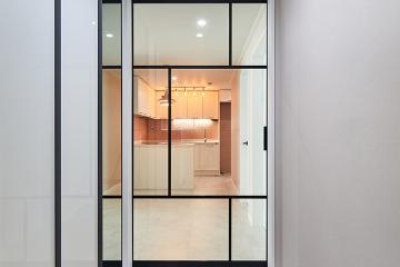 우중충한 벽지를 밝고 개방감 있는 모던 스타일로, 32평 아파트 인테리어 32평,화이트,심플,아파트,경기,고양,비포앤애프터,BEFORE&AFTER