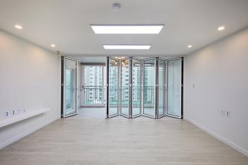 깨끗하고 시원한 개방감의 화이트 컬러 33평 아파트 인테리어 33평,화이트,심플,아파트,경기,수원