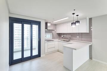 쿨 컬러 모노톤 조합은 이렇게, 32평 아파트 인테리어 32평,화이트,심플,아파트,경기,의왕