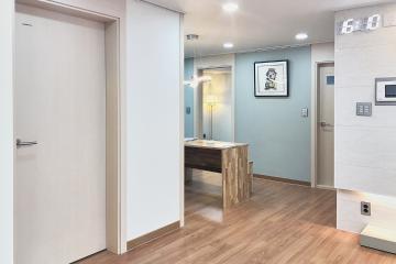 컬러와 소재로 완벽 연출한 모던 스타일, 33평 아파트 인테리어
