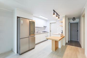 공간에 찾아온 청량한 변화, 27평 아파트 인테리어 화이트,신정동