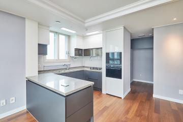 에메랄드그린 컬러로 포인트를 준 35평 아파트 인테리어 35평,아파트,리모델링,수원시,영통구