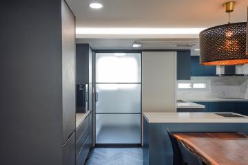 시리도록 짙은 열정의 색, 58평 아파트 인테리어 58평,매력적인컬러,서초구,서초동