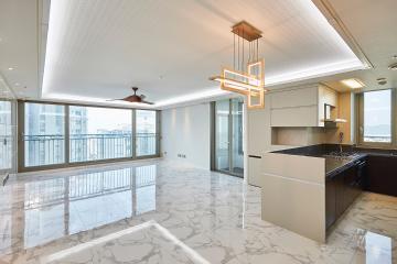 중후함과 세련됨을 모두 갖춘, 45평 아파트 인테리어 비앙코카라라