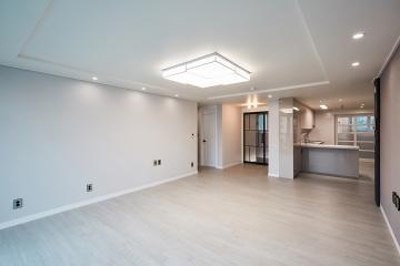 화이트 모던 스타일의 세련된 공간, 33평 아파트 인테리어 30평대아파트,33평아파트,강동구,암사동