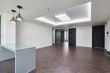 블랙 컬러의 화려한 럭셔리 컨셉의 51평 아파트 인테리어