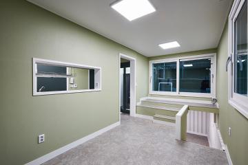 독특한 구조의 컬러풀한 20평 주택 인테리어