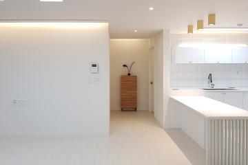공간의 세련미를 더한 심플함. 32평 아파트 인테리어  32평,30평대아파트인테리어,아파트인테리어,아파트리모델링,화정동