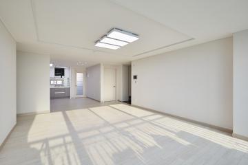 채광 잘 들어오는 실용적인 31평 아파트 인테리어