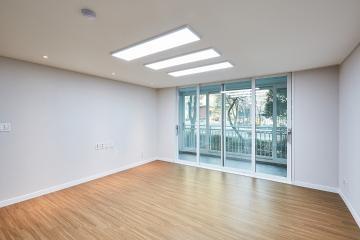 모던에 우드를 더해 편안함이 한가득, 33평 아파트 인테리어.