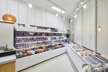오는 사람마다 식욕을 돋우는 공간, 10평대 매장